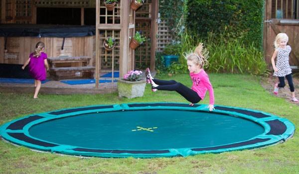 Oprindeligt Trampolin til nedgravning - Her er de bedste nedgravede trampoliner! YS99