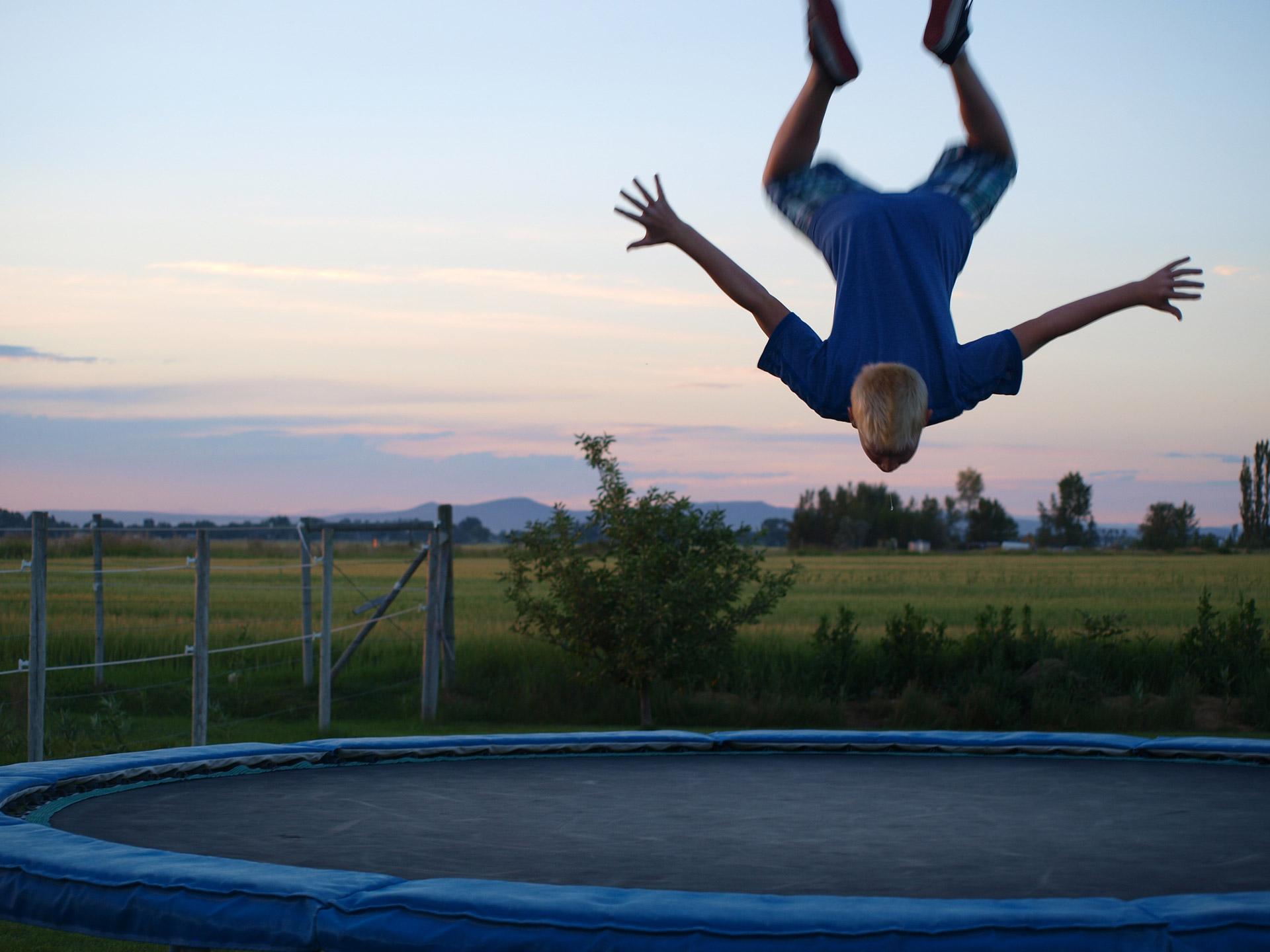 Stor trampolin